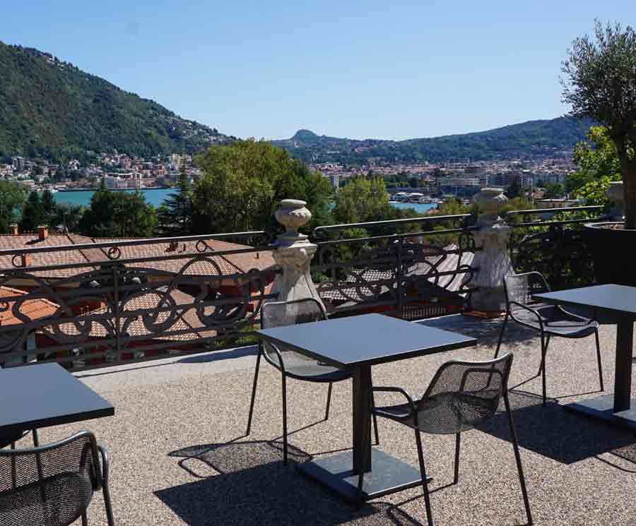 Villa con terrazza con vista lago a como villa liberty for Lago tavolini