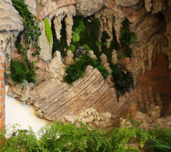 Grottesco con muschi naturali